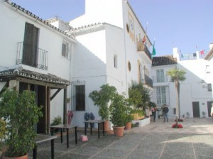 Benahavis - Hotel Angela Fuengirola